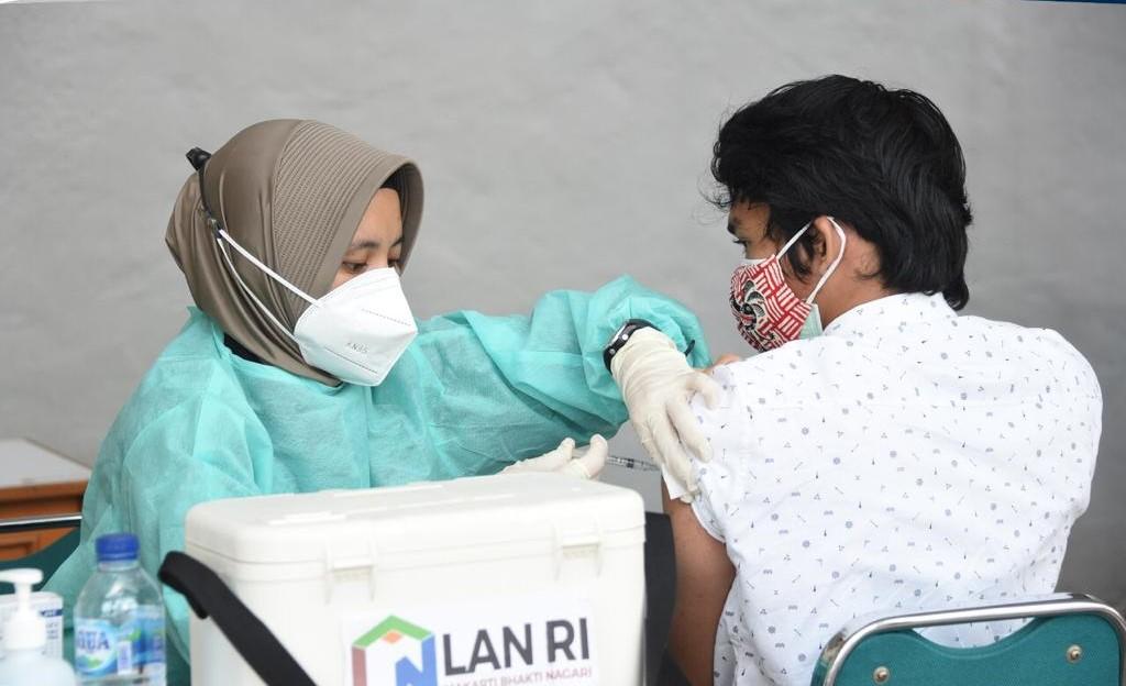 Dukung Percepatan Pencapaian Herd Immunity, LAN Gelar Vaksinasi Dosis Ke-2 Bagi Keluarga Pegawai